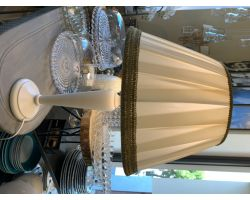 LAMPADA DA TAVOLO IN LEGNO H 58 BIANCA DECAPATA CLAMP01